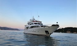 Marques yacht charter