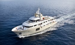 E & E yacht charter