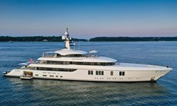 Lunasea yacht charter