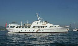 Secret Life yacht charter