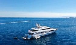 Lady G II yacht charter