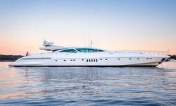 Beachouse yacht charter