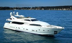 Two Kay yacht charter