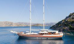 Halcon Del Mar yacht charter