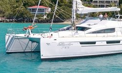 Sur L'eau yacht charter