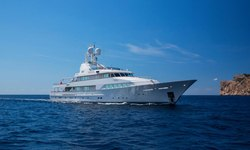 Legacy V yacht charter