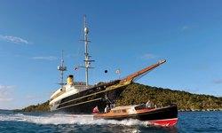 Nero yacht charter