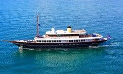 Clarity yacht charter