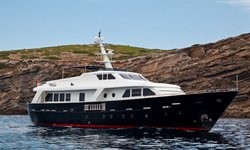 Harmonya yacht charter