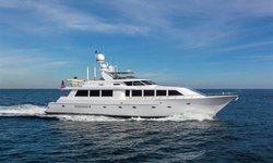 Cru yacht charter