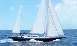 Domicil yacht charter