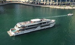 Desert Rose I yacht charter