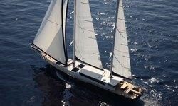 Perla del Mare yacht charter