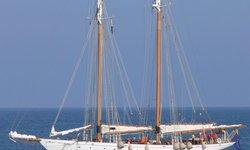 Puritan yacht charter
