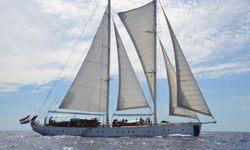 Kairos II yacht charter