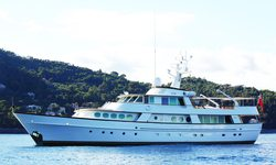 C-Side yacht charter