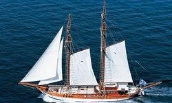 Matina yacht charter