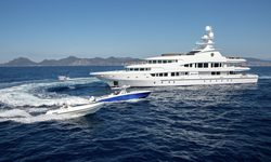 Lucky Lady yacht charter