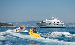 Idol yacht charter