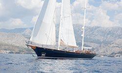 Lauran yacht charter