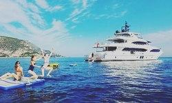 Altavita yacht charter