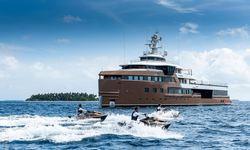 La Datcha yacht charter