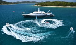 Berzinc yacht charter