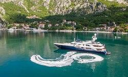 Jo I yacht charter