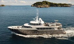 Black Pearl yacht charter