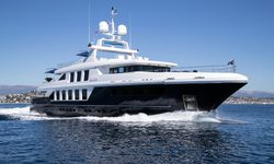Clicia yacht charter