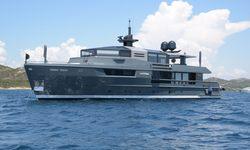 Tortoise yacht charter