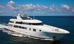 Rhino yacht charter