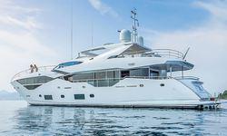 Legende yacht charter