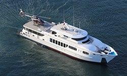 Intender yacht charter