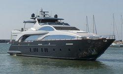 Tail Lights yacht charter