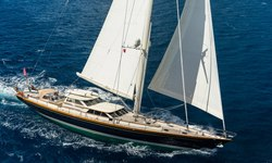 Marae yacht charter
