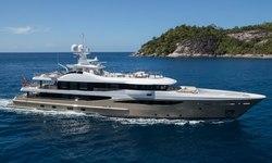 Lili yacht charter