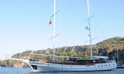 Smile yacht charter