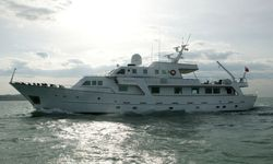 South Paw C yacht charter