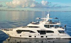 Cool Breeze yacht charter