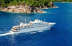 Lauren L yacht charter