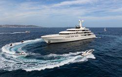 Romea yacht charter