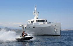Siempre yacht charter