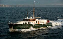 Parriwi yacht charter