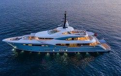 Snow 5 yacht charter