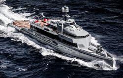 Bold yacht charter
