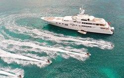 Apogee yacht charter