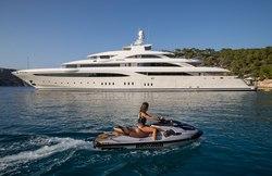 O'Ptasia yacht charter