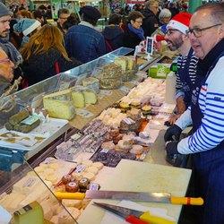 Place Des Lices Market Photo 17