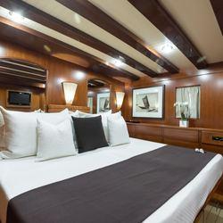 Thanda Island Yacht Cruise Photo 14